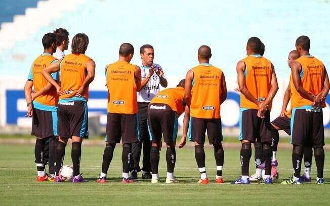 Luxemburgo conversou com grupo do Grêmio