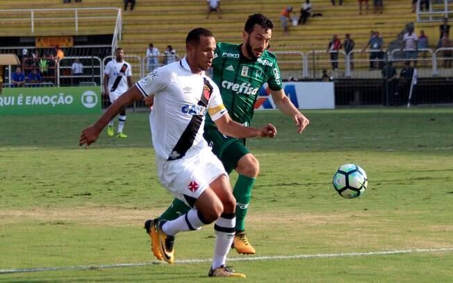 Vasco e Palmeiras duelaram na abertura do returno do Brasileirão