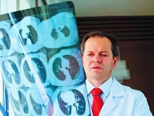 Doutor Amândio Soares, da Oncomed-BH, explica que o tratamento do câncer teve grandes avanços nos últimos anos