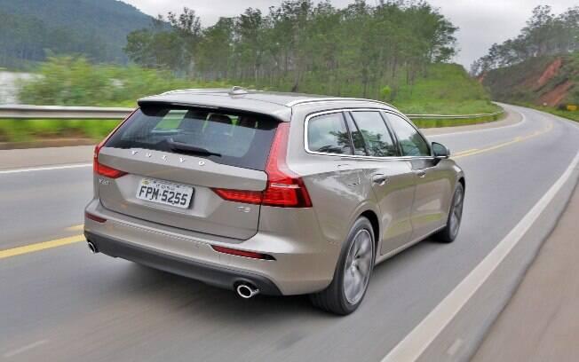 Além dos diversos sistemas de segurança do Volvo V60, sua estrutura é projetada para entregar conforto e desempenho