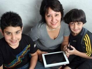 Samantha e os filhos: autocontrole foi determinante na educação de Giorgio
