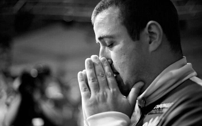 Momentos de tensão antes do bracelete de ouro em 2011, o mais importante da carreira de Akkari