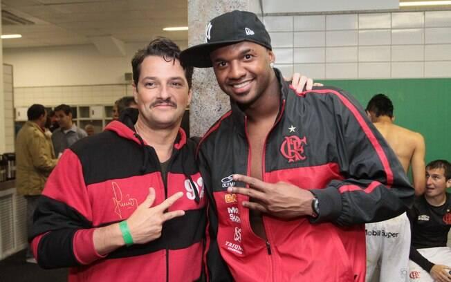 Marcelo Serrado tietou o jogador Léo Moura e o goleiro Felipe no vestiário do Flamengo após o jogo contra o Atlético Mineiro