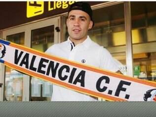 Otamendi diz que está muito feliz por chegar ao Valência, clube que investiu 12 milhões de euros em sua contratação