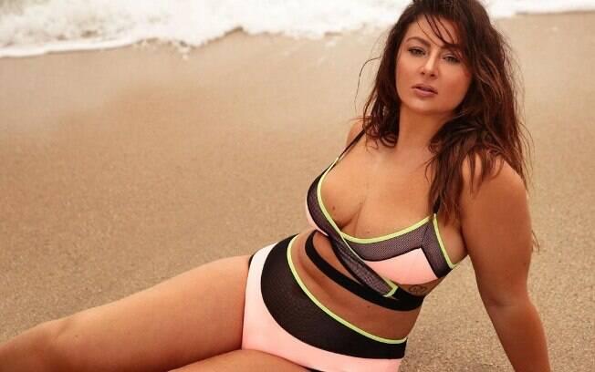 Letticia Muniz é modelo e utiliza o Instagram para propor discussões sobre corpo e pressão estética