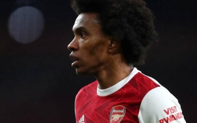 Sem espaço no Arsenal, Willian pensa em voltar ao futebol brasileiro