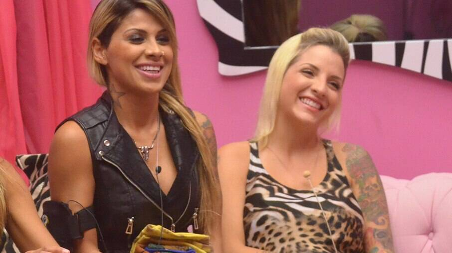 Vanessa Mesquita e Clara Aguilar no