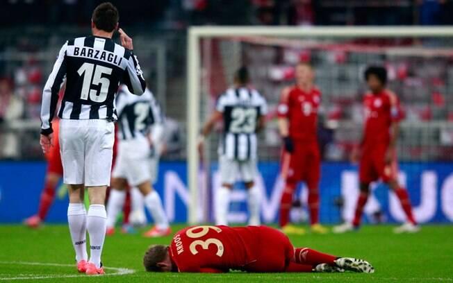 Kroos se machucou e foi substituído por  Robben