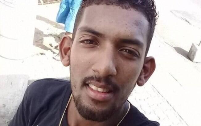 Jovem de 22 anos foi baleado por PM na última terça-feira (2), na comunidade Santa Maria