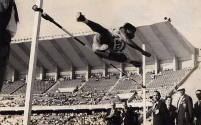 Aída dos Santos foi a primeira mulher brasileira a participar de uma final olímpica