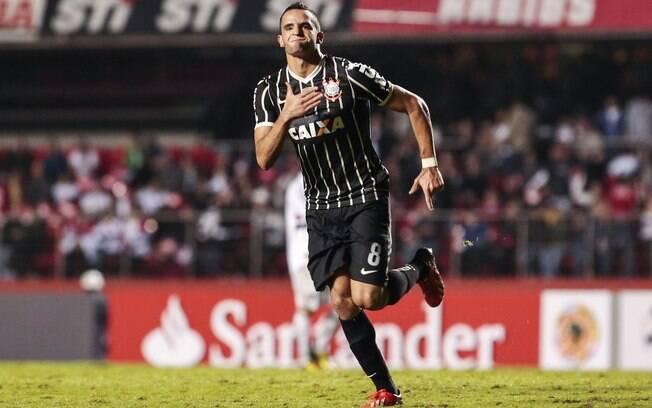 Renato Augusto comemora o gol da vitória  corintiana