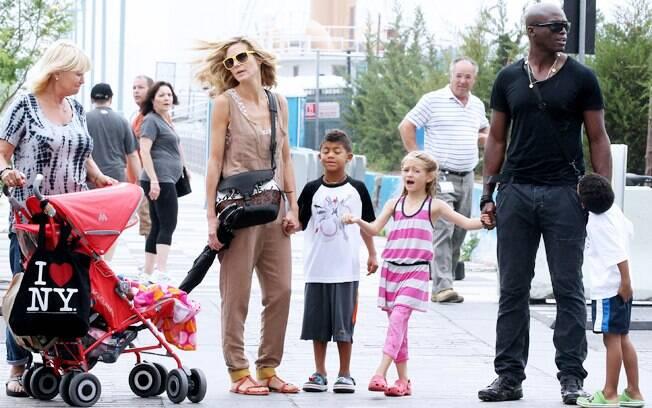 Heidi Klum e Seal com os filhos
