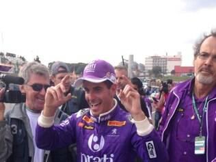 Piloto levou a melhor diante do rival Cacá Bueno, com um tempo de 1min02s308