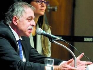 Defesa.  Em setembro, no depoimento à CPI mista da Petrobras, em Brasília, Beatriz Catta Preta apareceu ao lado de Paulo Roberto Costa
