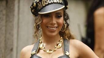 Anitta diz que já tem dinheiro suficiente para viver no exterior