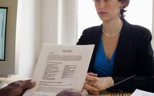 Busca um emprego? Veja 17 informações inúteis que devem ficar longe do currículo - Carreiras - iG