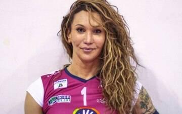 """Transexual brasileira do vôlei se defende: """"Minha essência é de mulher"""""""