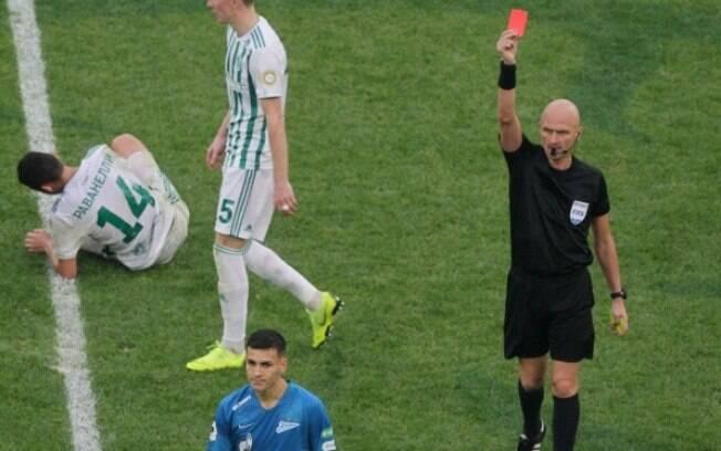 Leandro Paredes foi expulso aos 37 minutos do segundo tempo em jogo do Zenit