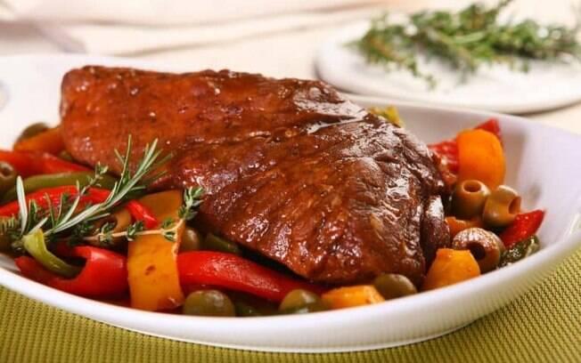 Receitas de carne assada práticas para todas as refeições