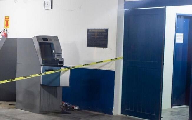 Caixa eletrônico explodido recentemente em agência da Caixa Econômica Federal no Piauí