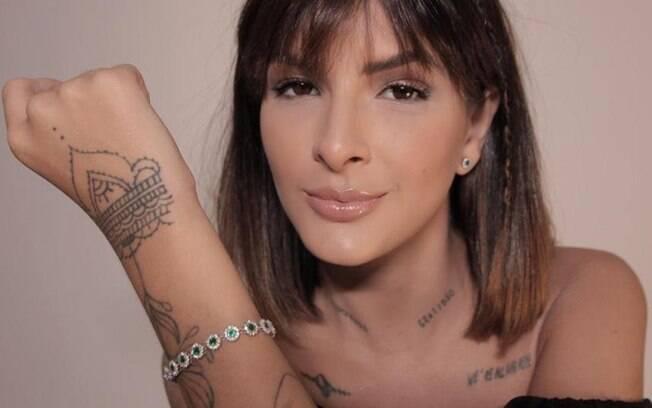 Laryssa Bottino fala sobre lançamento de pulseira