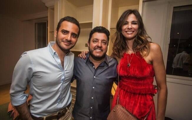 à direita, Sérgio K. No meio, Bruno, da dupla com Marrone. À esquerda, Luciana Gimenez