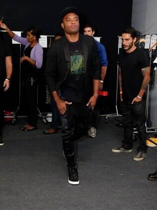 Anderson Silva é estrela do desfile da Ausländer no Fashion Rio