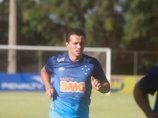 ESPORTES - BELO HORIZONTE - MG - REAPRESENTACAO CRUZEIRO O time do Cruzeiro se reapresenta para a temporada 2015 na Toca da Raposa II . NA FOTO: Leandro Damiao  FOTO: RICARDO MALLACO / O TEMPO - 07.01.2015