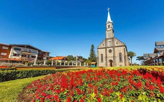 Igrejas d região atraem turistas e fiéis