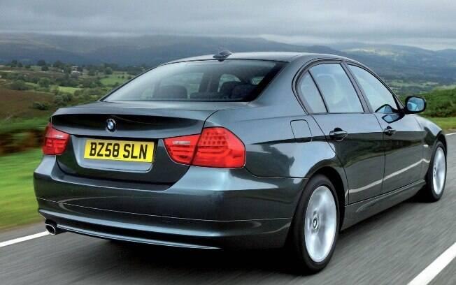 A BMW Série 3 da geração E90 apostou em uma traseira mais contida, com lanternas menores