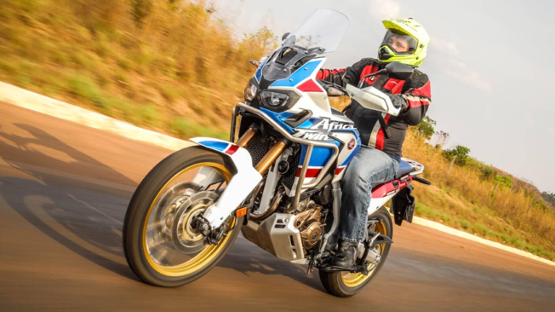 A Honda Crf 1000l Africa Twin Nos Caminhos De Terra Cultura Da Motocicleta Ig