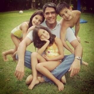 William Bonner relembra momento com os três filhos