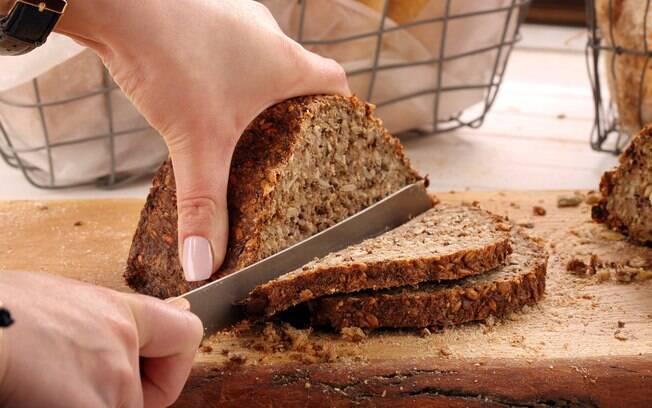 Pão integral é ótimo para o café da manhã ou café da tarde