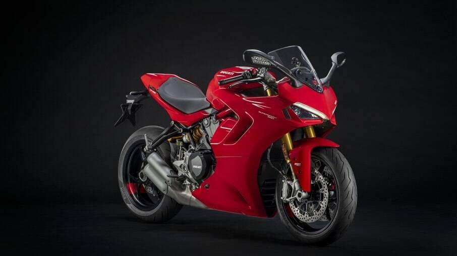 Ducati SuperSport 950:  superesportiva vem com motor de 110 cavalos a 9.000 rpm e carenagem redesenhada