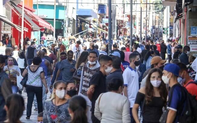 Dia dos Namorados: Centro de Campinas tem movimento intenso
