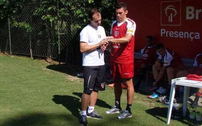 O zagueiro Lúcio já foi escalado entre os  titulares pelo técnico Ney Franco nesta  segunda-feira