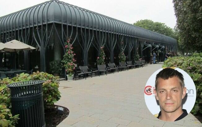 Will Conway iria para o Pavillon Café com esposa e filho