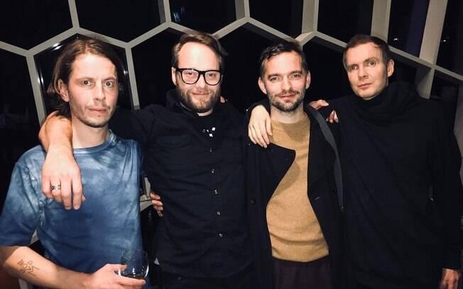 Orri Páll Dyrason, ao lado dos outros integrantes da banda Sigur Rós
