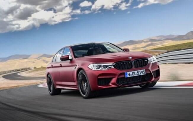 BMW M5: nova geração agora conta com motor V8 de 600 cv, potência suficiente para acelerar de 0 a 100 km/h em 3,4 s