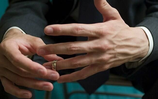 Homem pede divórcio após mulher pedir sexo oral no período menstrual
