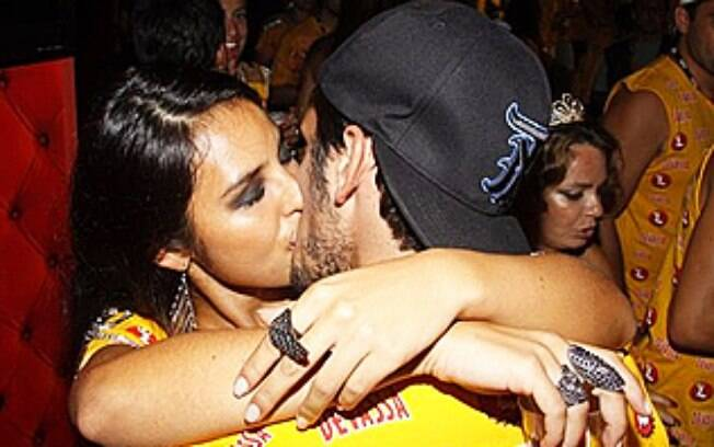 Bruno Gissoni e Yanna Lavigne no carnaval carioca deste ano, quando ficaram pela primeira vez