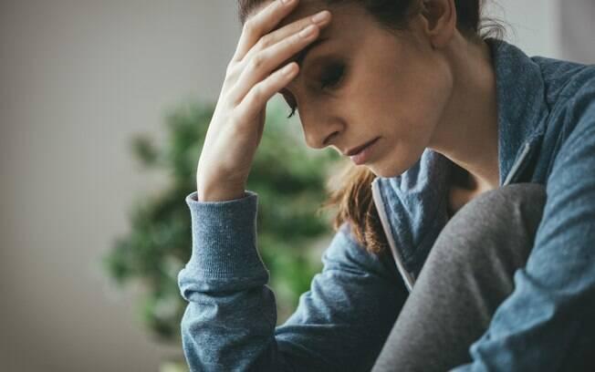 Sintomas do transtorno de ansiedade são reais, já que a pessoa realmente sente falta de ar e pressão no peito, por exemplo