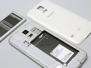 Galaxy S5 permite trocar a bateria