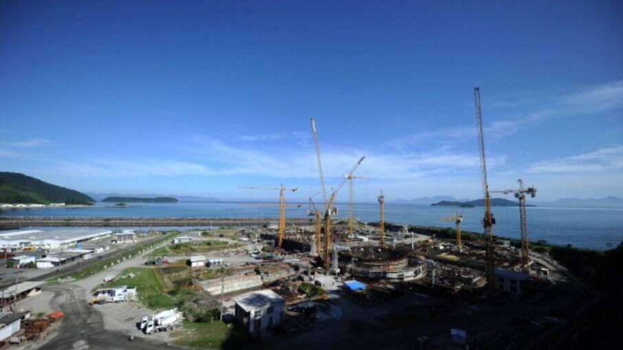 Obras no complexo Angra 3 estão paralisadas