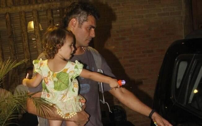 Adriana Esteves comemora aniversário do filho caçula