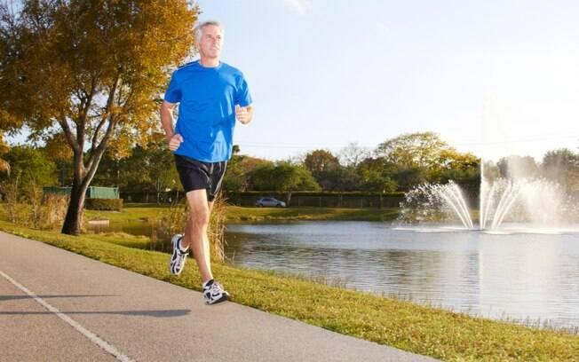 O ideal é fazer sessões de corrida acima de 30 minutos, quatro vezes por semana. Foto: iStock