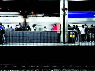 Proteção. Em São Paulo, dois passageiros contiveram homem que tentou assediar mulher no metrô