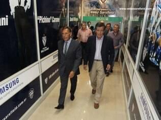 Presidente do Vélez, na apresentação do novo treinador do clube, avisou ao novo comandante da saída de Lucas Pratto