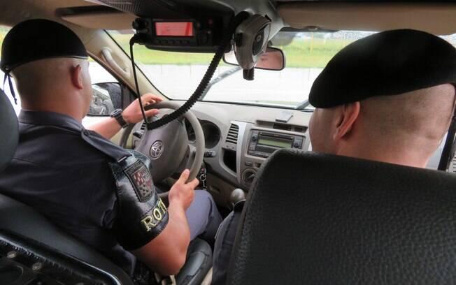 Viatura de  ROTA em patrulha