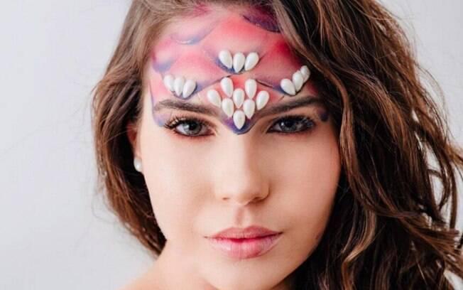 Uma maquiagem para o carnaval de sereia ainda promete fazer sucesso em 2019 e nada melhor do que aprender o tutorial